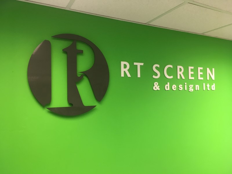 raised-lettering-rt-screen-and-design