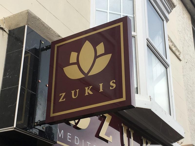 sign-zukis