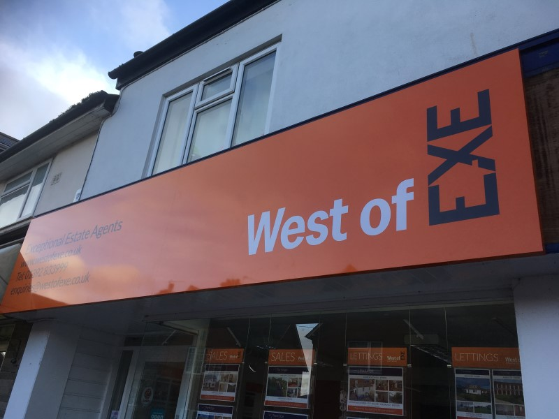 signs-west-of-exe